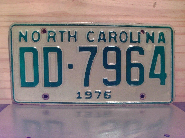 1976 North Carolina NC Truck YOM License Plate DD-7964