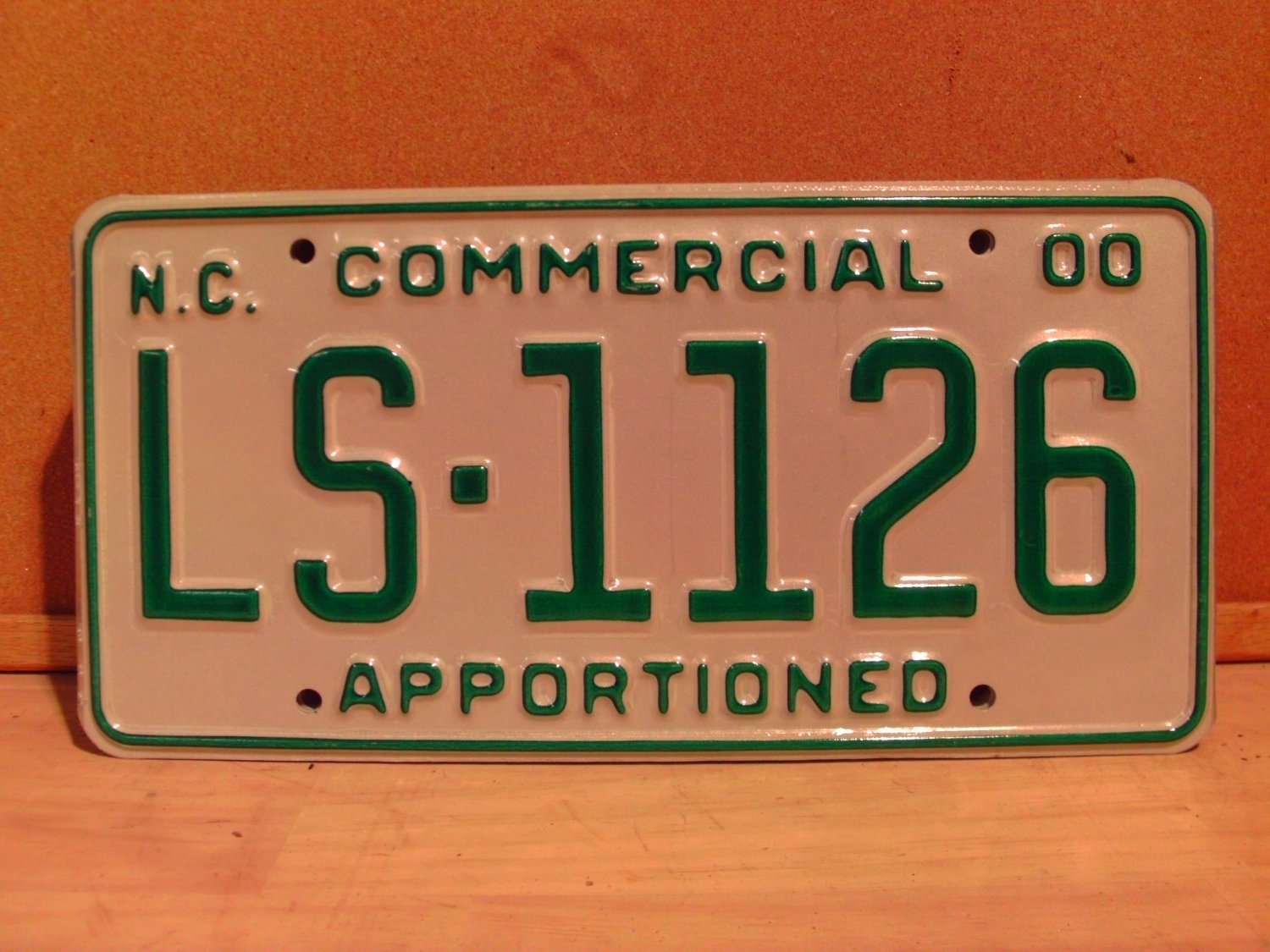 2000 North Carolina Apportioned Truck License Plate Mint NC #LS-1126