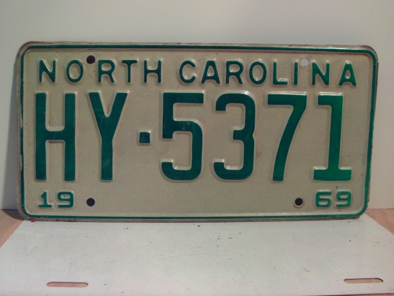 1969 North Carolina NC Passenger License Plate HY-5371 VG