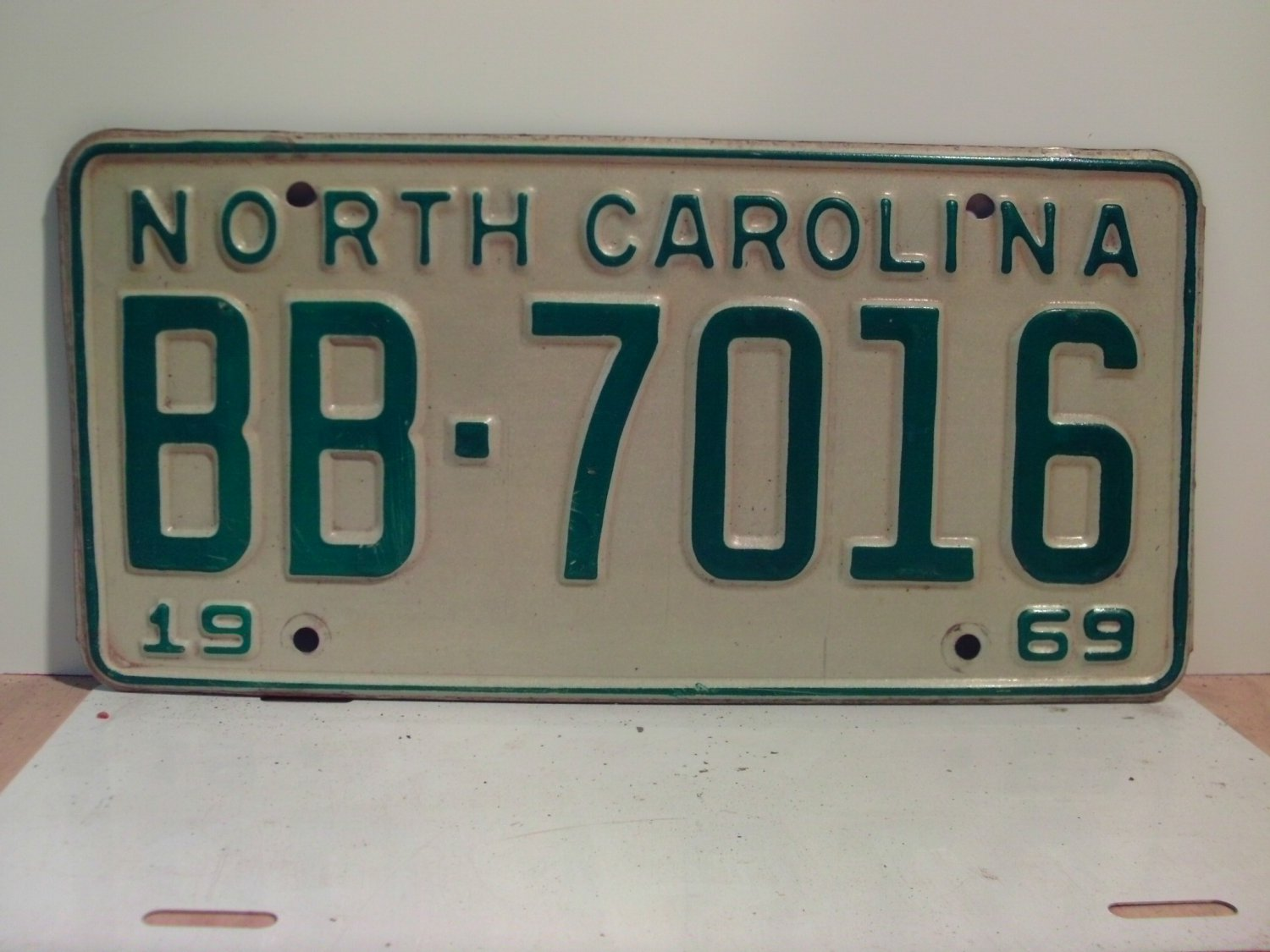 1969 North Carolina NC Passenger YOM License Plate BB-7016 Excellent!