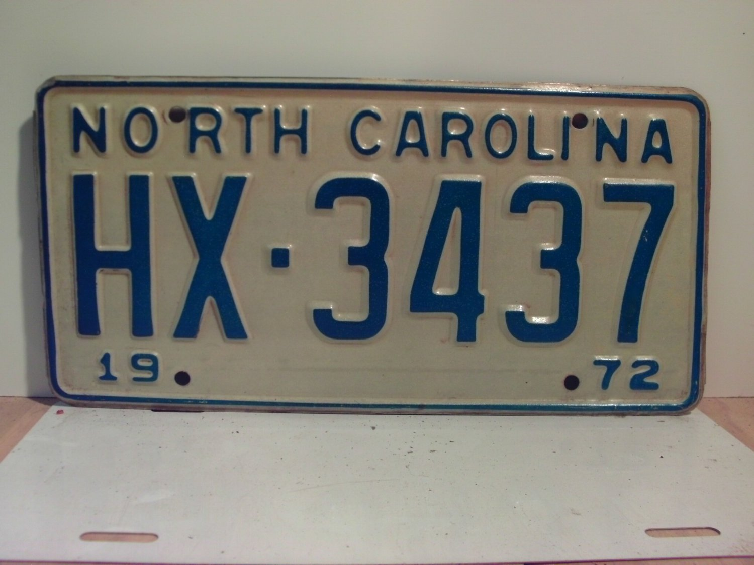 1972 North Carolina NC Passenger YOM License Plate HX-3437 Excellent!