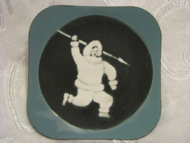 "HAND MADE ""HUNTING YUPIK MAN"" ESKIMO INUIT ENAMEL PLATE WALL HANGING DECOR"