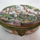19thc DRESDEN PORCELAIN SNUFF / PILL BOX HUNTING DOGS