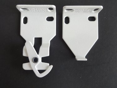 1 PAIR Rollease R3 / R8 EXTENDED Roller Shade Brackets, in White (MPN # RB390W)