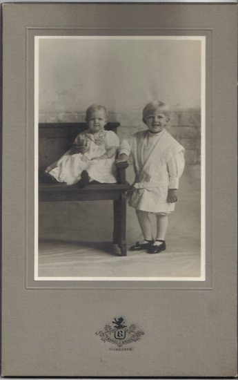 Vintage Children Cabinet Card Photo