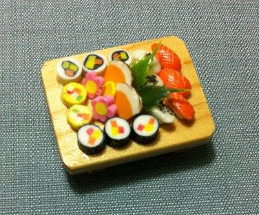 1 Sushis Set Japanese Tray Fish Japan Food Clay Fimo Dish Miniature Dollhouse Jewelry Decoration