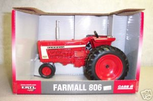 International Harvester Farmall 806 Diecast Tractor #14501