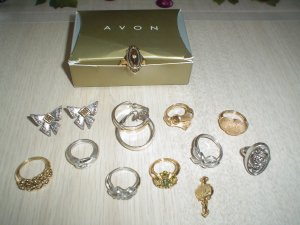 Lot Of Avon Jewelry 12 Pc Rings Earrings Silver Gold Great For Consignment Vintage Boutique