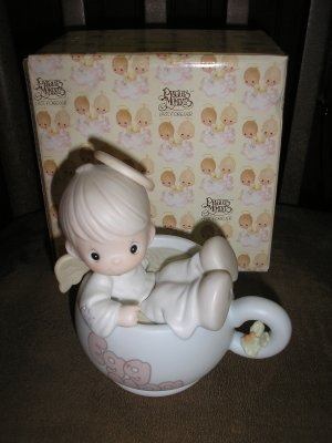 PRECIOUS MOMENTS DROPPING IN FOR THE HOLIDAYS EGG NOG ANGEL FIGURINE #531952!