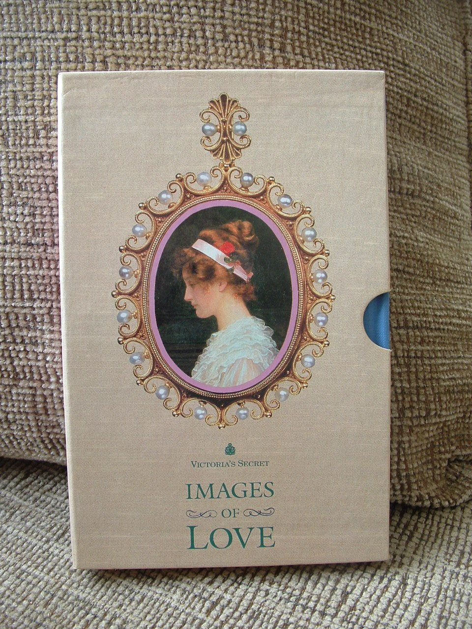 VICTORIA'S SECRET IMAGES OF LOVE VOLUME 2 HARDCOVER BOOK with Sleeve - SCENTED - NEW!