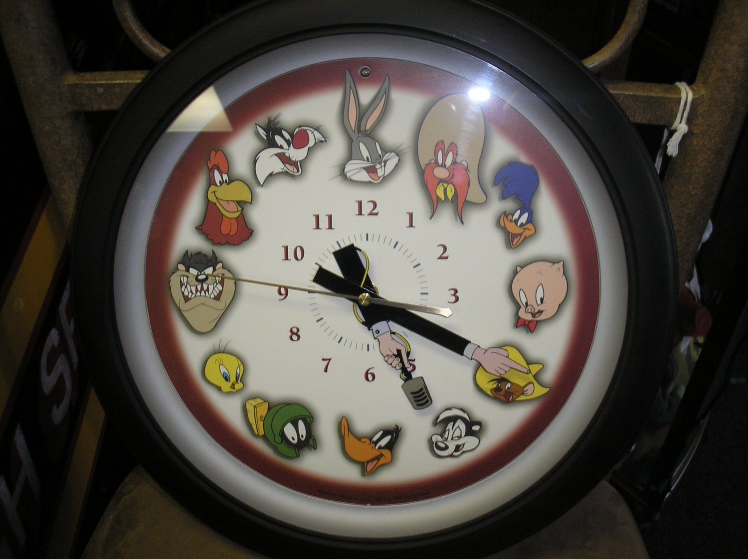 Looney Tunes Character Wall Clock Featuring Hourly Time