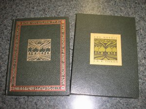 HOBBIT Tolkien COLLECTORS EDITION 1973 - SLIPCASE in SIMULATED LEATHER - RARE - COLLECTIBLE - WOW!