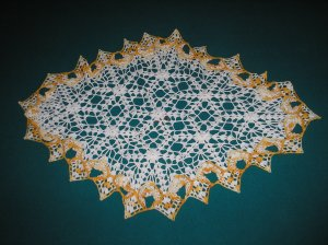 """VINTAGE HAND CROCHETED DOILY-26"""" x 18"""" OBLONG - WHITE/YELLOW VARIEGATED - EXTRAORDINARY """"3D"""" DESIGN!"""