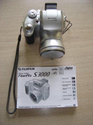 Fuji Finepix S3000 32mp Digital Camera With 2gb Xd Picture Card