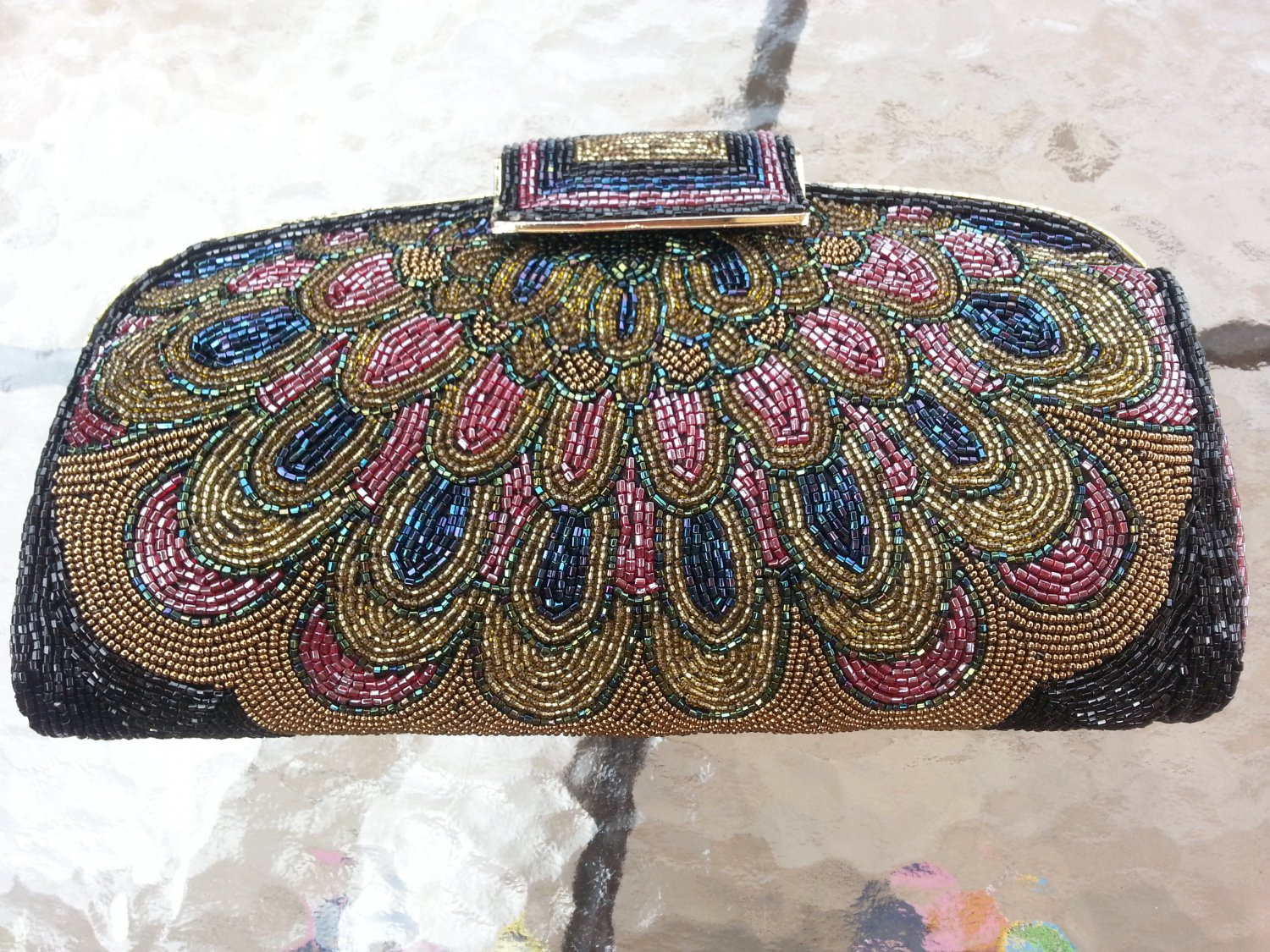 VINTAGE SCALLOPED BEADED DESIGN EVENING PURSE by JEROME'S of HONG KONG - VERY ROOMY!