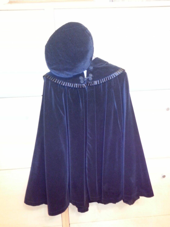 Vintage 80s Cary San Francisco Black Velvet Peter Pan Collar Extra Full Opera Cape w/ matching Hat!
