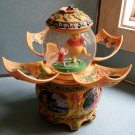 Disney Winnie The Pooh Animated Rotating Spin Petal Snowglobe Music Box from 1963 - SUPER RARE!