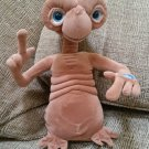 E.T. THE EXTRA-TERRESTRIAL - Universal - Toys R Us - Plush TALKING/LIGHT-UP Toy - WORKS GREAT!