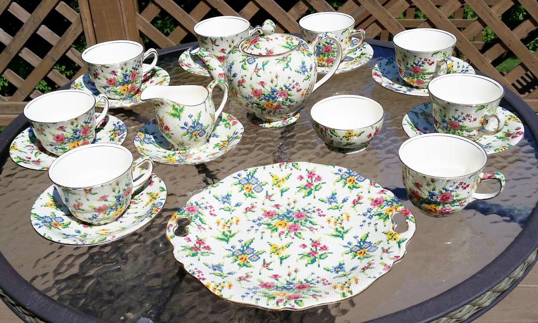 "Royal Winton GRIMWADES ""QUEEN ANNE"" Chintz Pattern China Circa: 1936 - 20 PIECES!"
