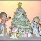 PRECIOUS MOMENTS WISHING YOU AN OLD FASHIONED CHRISTMAS #634778 by Enesco!