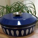 Cathrineholm, Norway 4 Quart Dutch Oven and Lid - Lotus Pattern White on Blue!