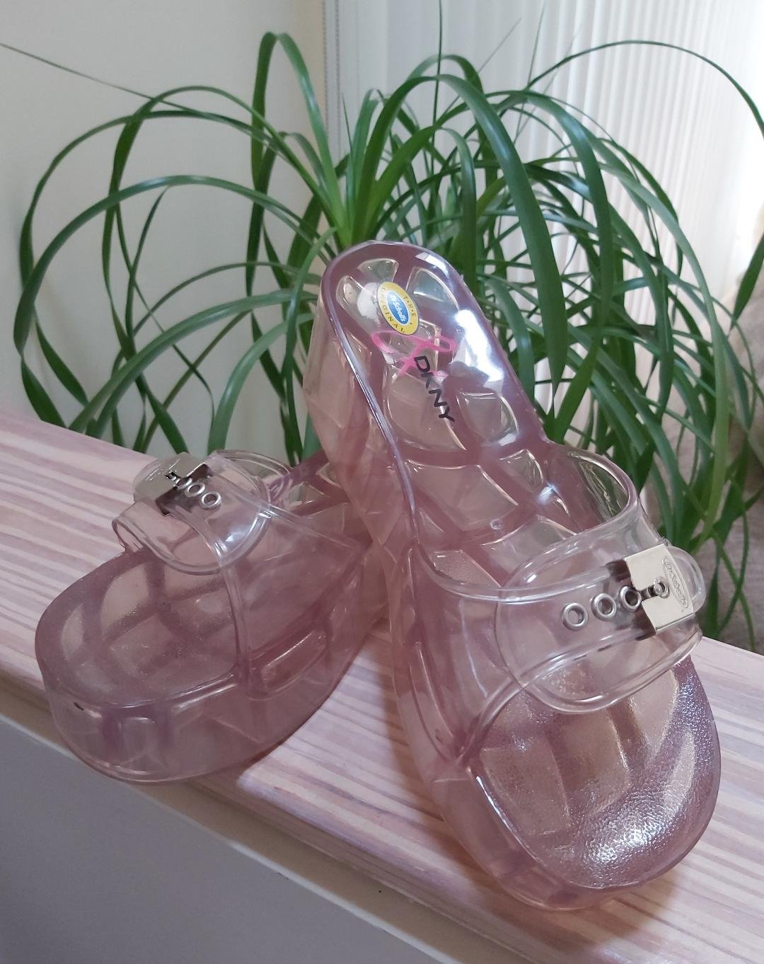 Vintage Dr. Scholls & DKNY Colab Totally Clear Jamie Lucite Platform Shoes - Size 8!