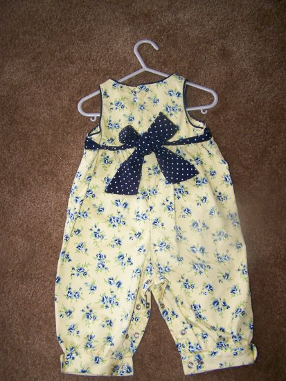 Hartstrings yellow overall with Blue floral detail. EUC    $7