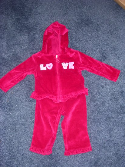 Velour LOVE yoga set - like new 12 months