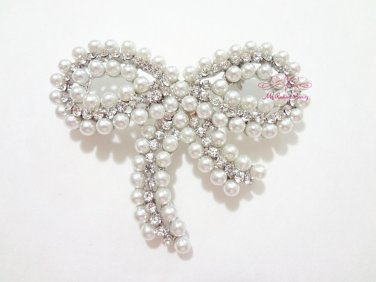 Butterfly Brooch with White Pearl and centered Rhinestone, Bridal Brooch, Wedding brooch BR0017