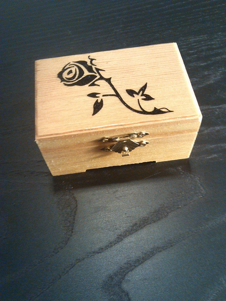 "rare hand made collectible "" rose "" trinket box, flower"