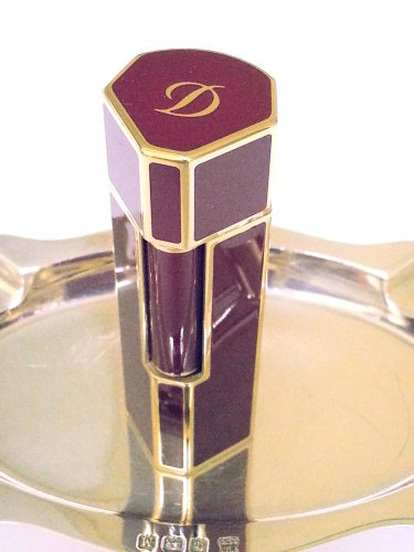 S. T. DUPONT LIGHTER ~ KARL LAGERFELD ~ MON DUPONT ~ RED LACQUER ~ 18 K GOLD TRIM ~ RARE ~ NEW!!