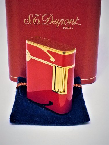 S.T. DUPONT LIGHTER ~ SOUBRENY ~18 K GOLD AND RED LACQUER de CHINE ~ VERY RARE ~ EXCELLENT  !!!