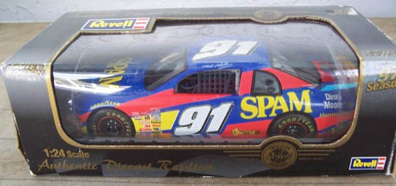 1997 Revell NASCAR Mike Wallace #91 Spam