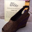 Just the Right Shoe 25098 Golden Leaf Mint NEW
