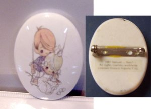 Precious Moments 1987 Oval Pin Excellent Condition