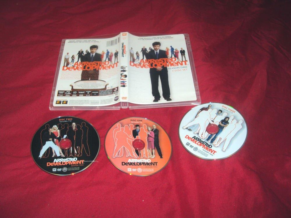 ARRESTED DEVELOPMENT SEASON 2 TWO DVD 3 DISCS  & ART CASE VG TO NEAR MINT