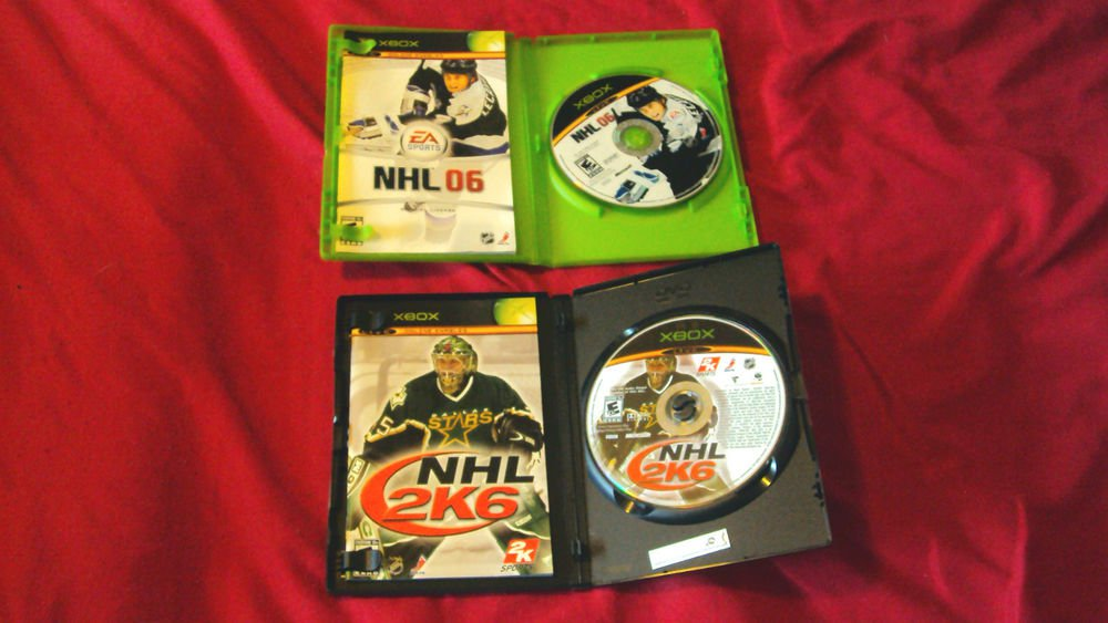 NHL 06 + NHL 2K6 xbox DISCS MANUALS ART & CASES NEAR MINT TO VERY GOOD