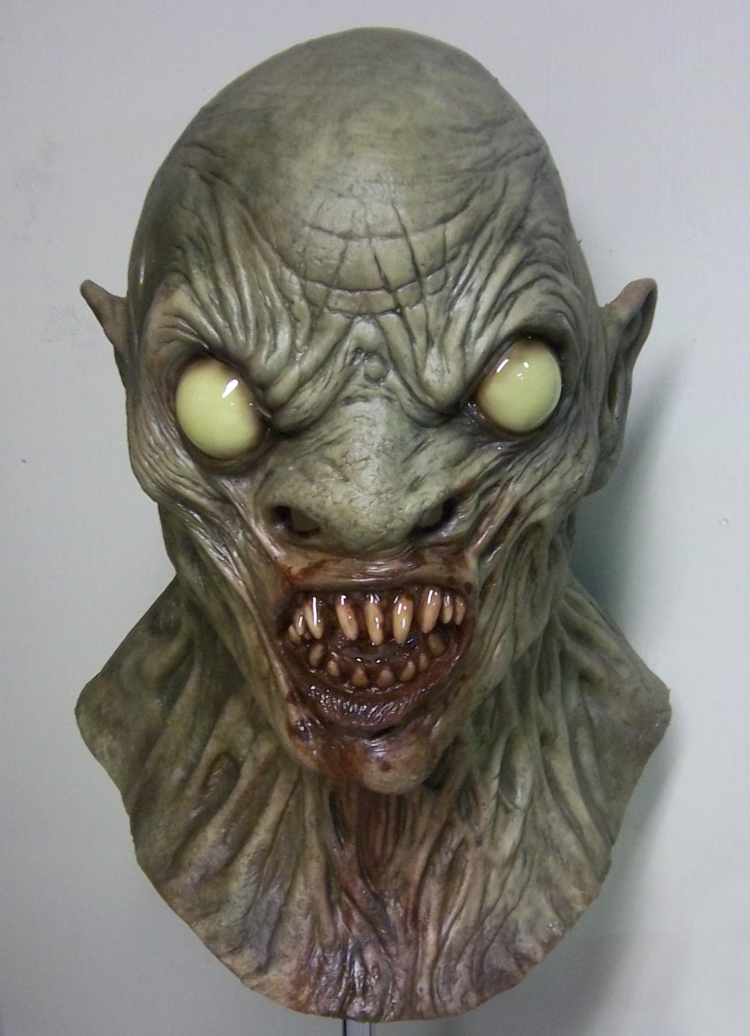 CHUD Sewer Monster Cannibalistic Humanoid Underground Dweller Monster Creature Scary Halloween Mask