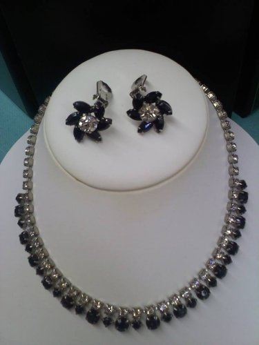 Vintage rhinestone and black stone necklace and clip earring set