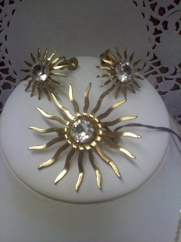"""Sarah Coventry vintage pin and clip earrings set """"Fascination"""" goldtone"""
