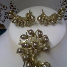 Sarah Coventry - Honey Bunch - vintage brooch pin and clip earring set