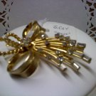 Sarah Coventry - Vogue - vintage brooch pin with rhinestones