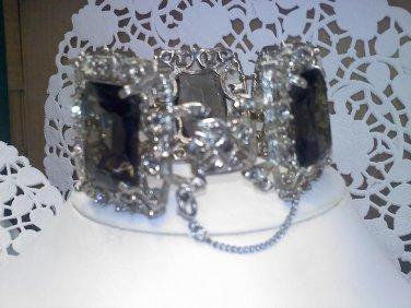 Sarah Coventry bracelet - Celebrity- Hostess only gift vintage silvertone