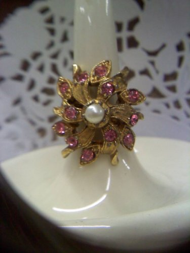 Pink rhinestones and faux pearl set in goldtone vintage ring size 7 1/2