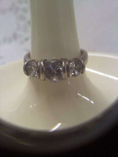 PD 925 sterling silver 3 stone vintage ring in size 8