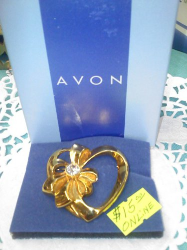 "Avon heart with ribbon and rhinestone ""Birthday Heart Pin"" goldtone New on card"