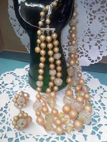 3 strand 1950s SUGAR BEAD Necklace with matching clip earrings - Vintage Japan
