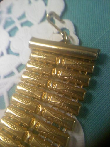 Vintage Victorian Revival style goldtone necklace