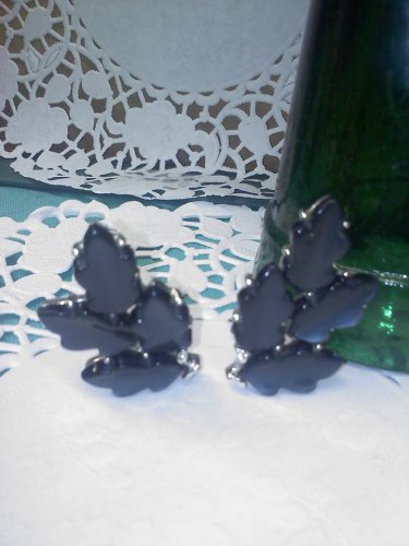 Lisner charcoal gray black thermoset vintage clip earrings
