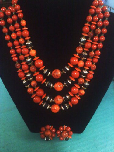 4 strand Lucite, faux marble confetti and glass beads necklace with clip earrings - Japan